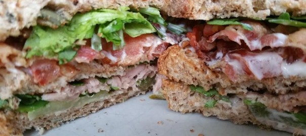 Clubsandwich met tonijn